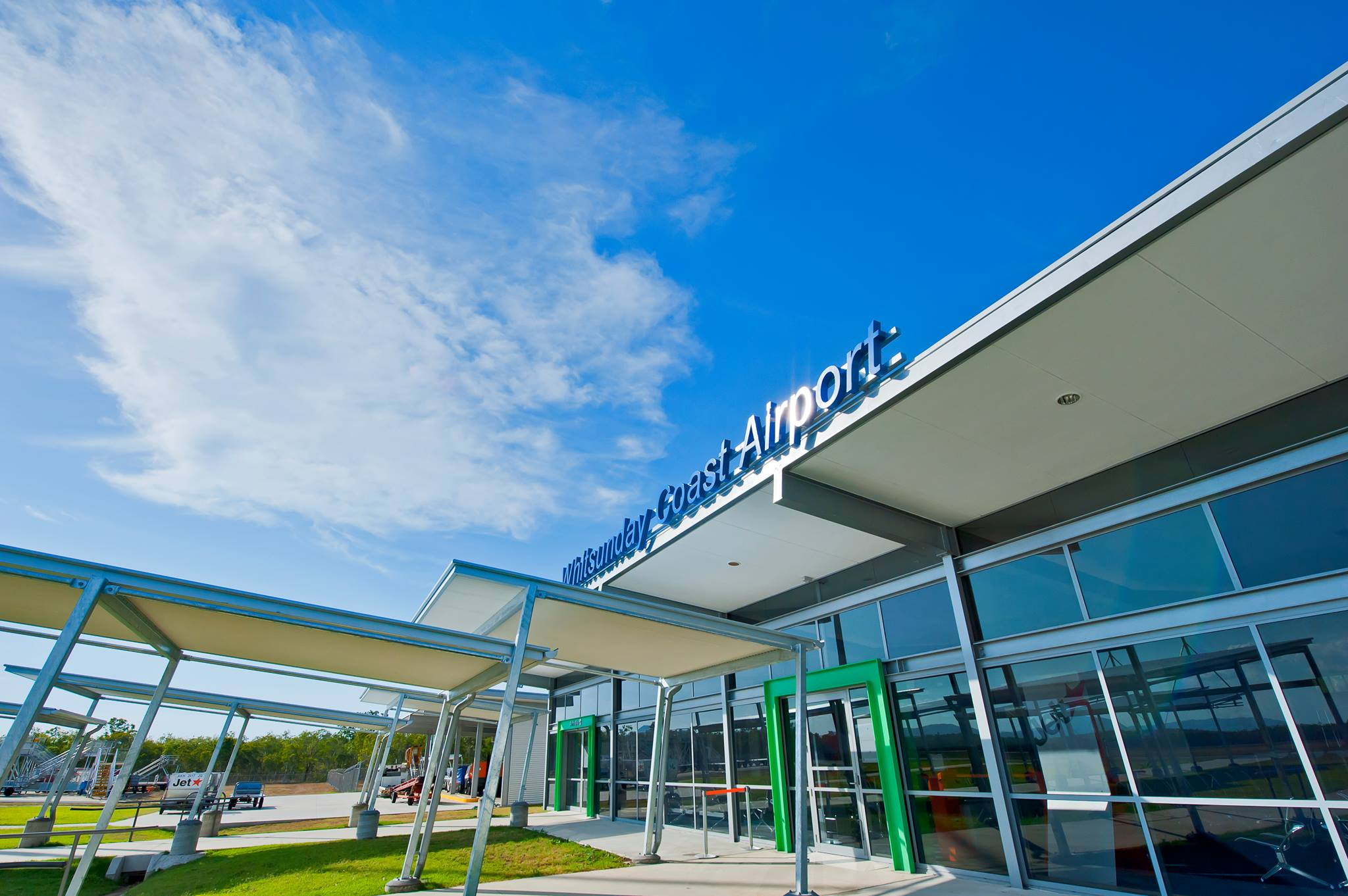Whitsunday Cost Airport expansion contract announced